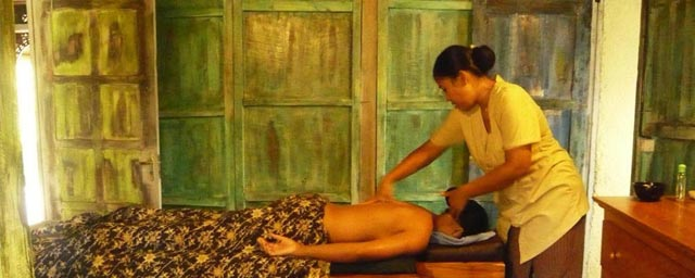 Spa Menu : Holistic Massage